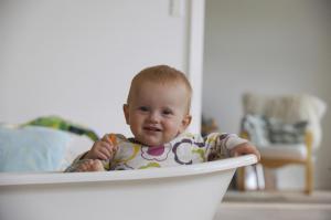 Pige i badekar