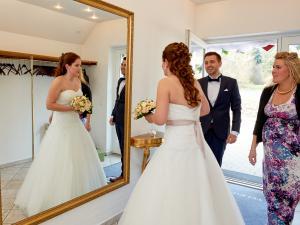 Bruden ankommer