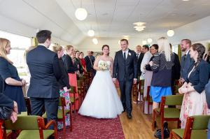 Brudepar går ud