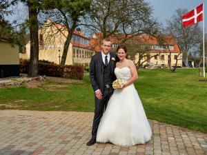 Brudepar i parken