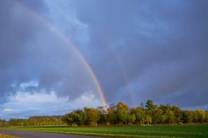 Dobbelt regnbue set på afstand - FUJIFILM X-T1