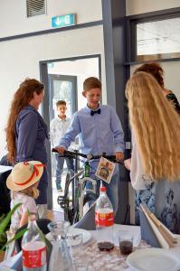Mikkel får cykel