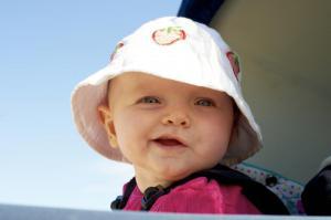 Pige i barnevogn