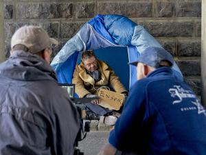 Tomme Kenter i telt