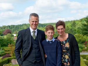 Far, Mikkel og Mor